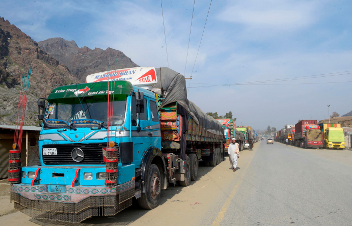 Afghanistan seeks to double trade with Pakistan after trade barriers removed