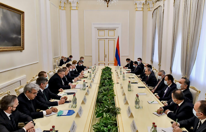 """It's raining Russian ministers in Yerevan and Baku as Putin declares """"Karabakh is also a domestic matter"""""""