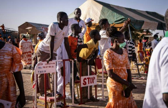 Burkina Faso votes despite violent insurgency