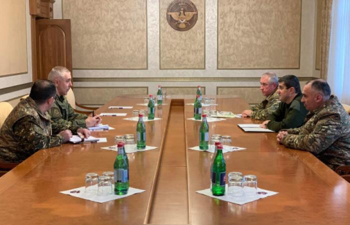 Commander of new Russian force in Karabakh meets NKR leadership