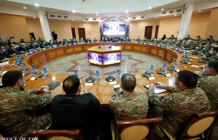 Pashinyan calls on his country's military to be optimistic about Armenia's future security environment