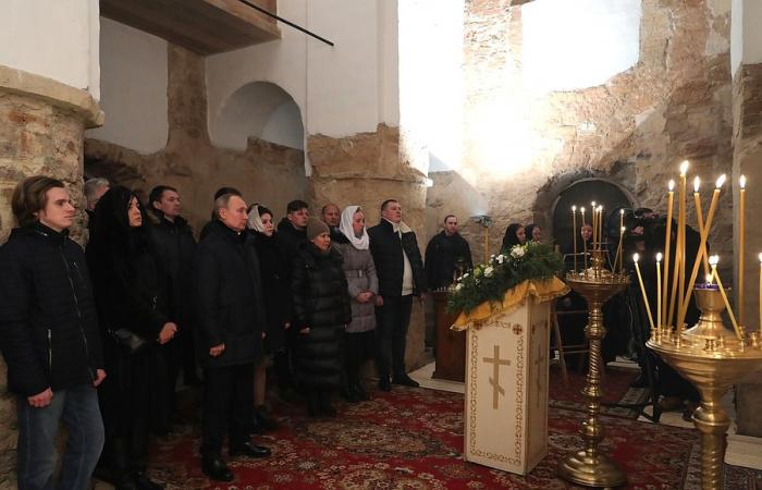 Putin marks Orthodox Christmas