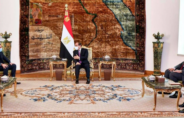 Hariri in Egypt to seek support for a solution to the Lebanese crisis