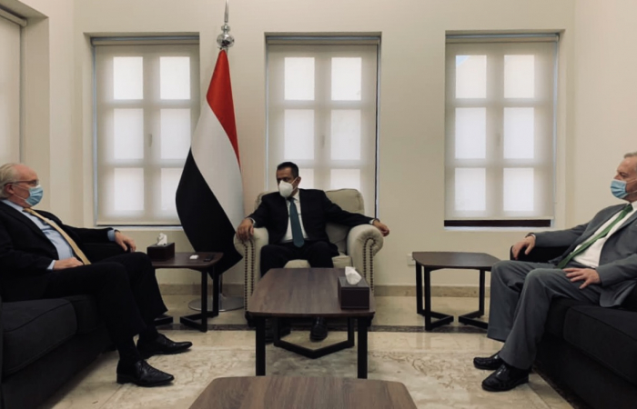 Pressure on Houthis as Envoys continue talks