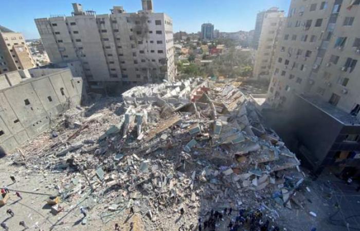 Israel destroys Gaza tower block housing international media, as conflict rages on
