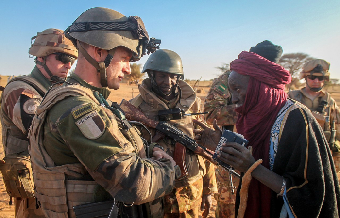 Emmanuel Macron threatens to withdraw French troops from Mali