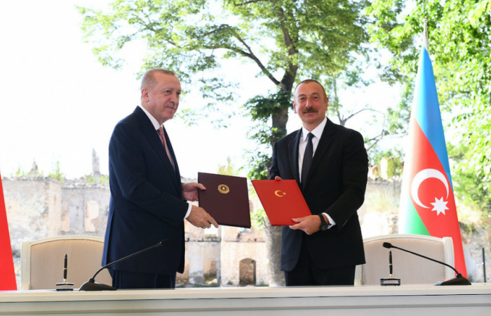 """Erdogan calls for a """"comprehensive and visionary peace agreement"""" after signing a declaration on alliance with Aliyev in Shusha"""
