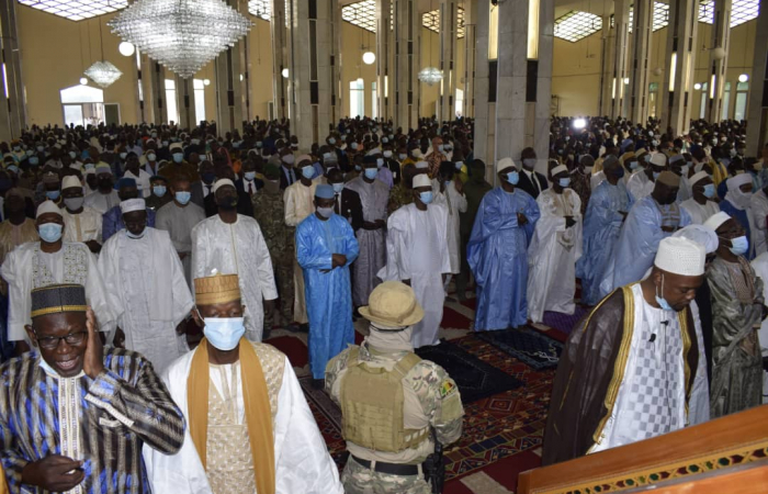 """Mali transition president Assimi Goita targeted by an """"assassination attempt"""" during Eid prayer"""