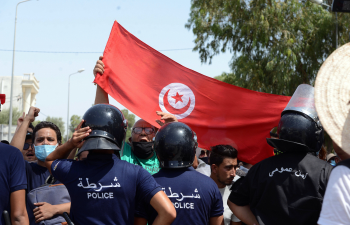 Tunisia tense as constitutional crisis unfolds