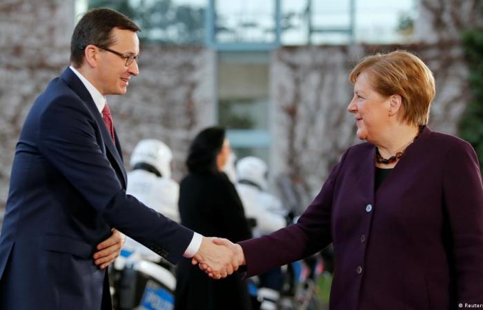 Merkel hopes dialogue will bring solution to EU-Poland dispute
