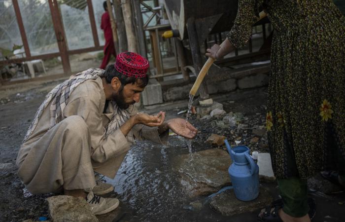 International community pledges over 1.1 billion dollars in aid to Afghanistan