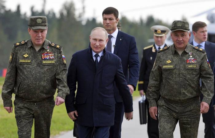 Putin watches war games in Nizhny Novgorod