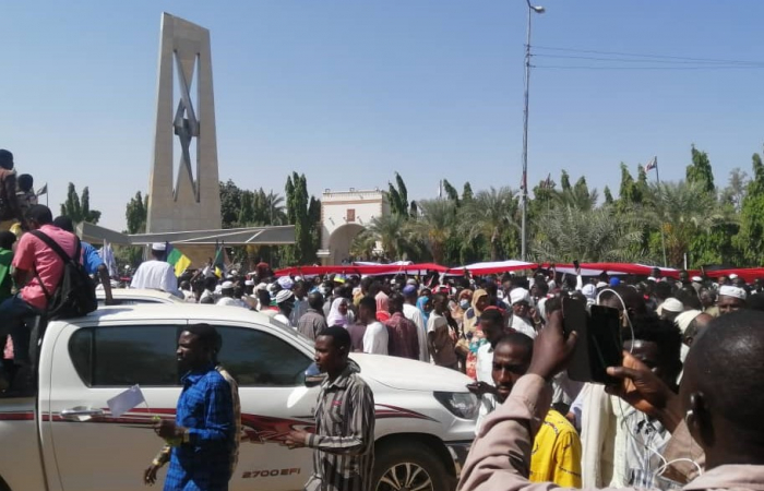 Sudan in crisis following calls for the army to stage a coup