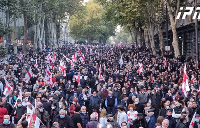 Thousands rally in Tbilisi calling for the release of former president Saakashvili