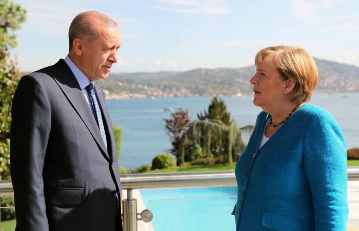 Merkel makes farewell visit to Turkey
