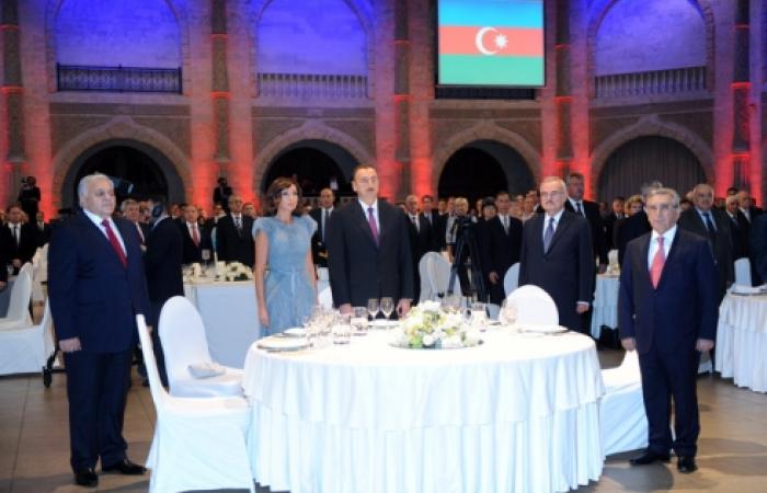 Azerbaijan celebrates independence day