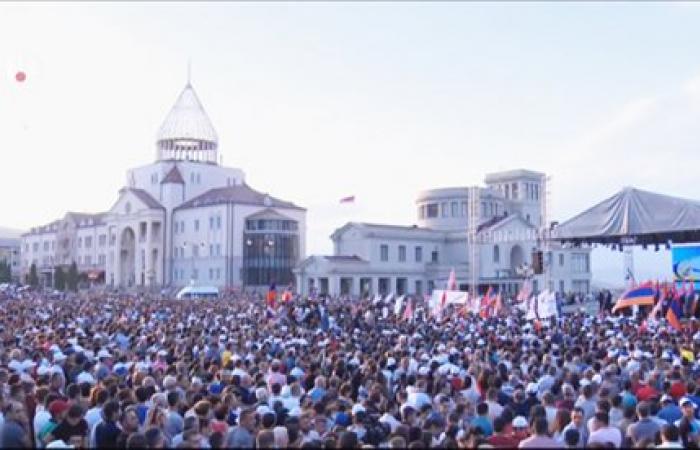 Opinion: Pashinyan's balancing act between populism and prudence